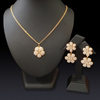 Pearl Flower Pendant Set
